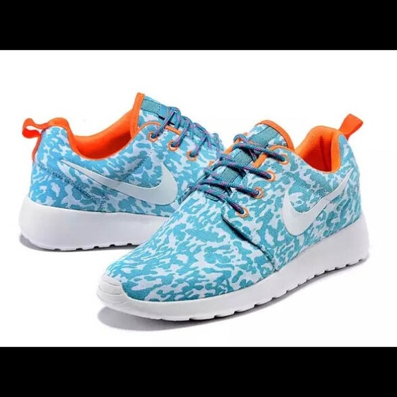 check out 8b3f8 119ee Nike Roshe Leopard Turquoise and Orange Shoes. M 5b02142572ea88e521aba6dd